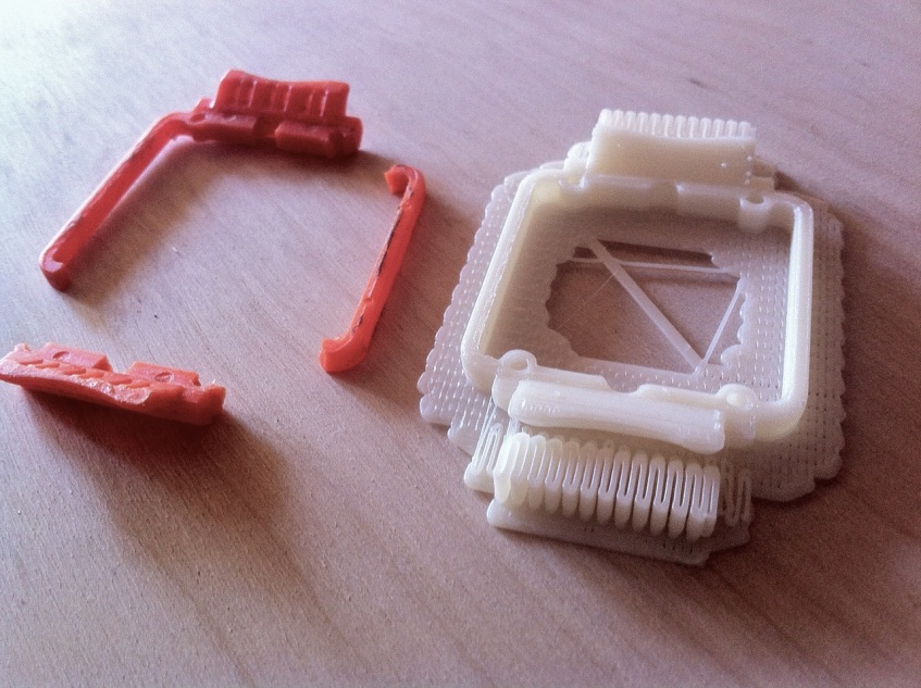 Broken watch piece and 3D printed replacement